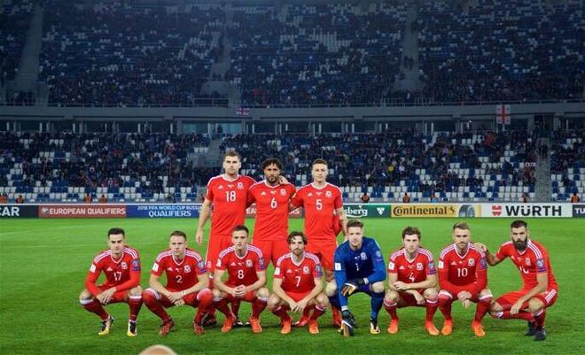 Serbia thua dau, Bale va dong doi song lai hy vong nhat bang hinh anh 2