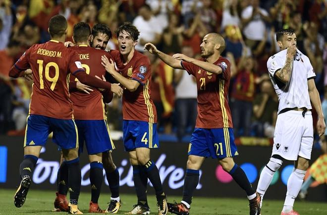 Sao Real ruc sang giup Tay Ban Nha doat ve di World Cup hinh anh 10