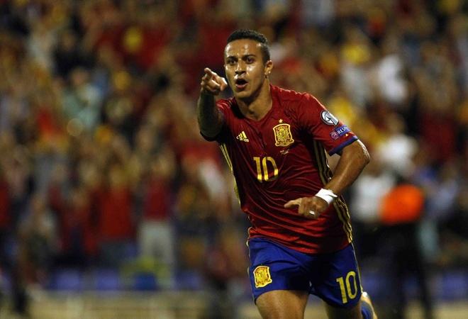 Sao Real ruc sang giup Tay Ban Nha doat ve di World Cup hinh anh 8