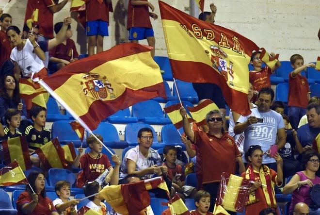 Sao Real ruc sang giup Tay Ban Nha doat ve di World Cup hinh anh 2