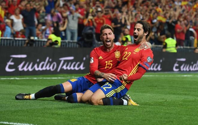 Sao Real ruc sang giup Tay Ban Nha doat ve di World Cup hinh anh 1