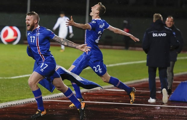 Iceland vo oa hanh phuc voi tam ve World Cup dau tien trong lich su hinh anh