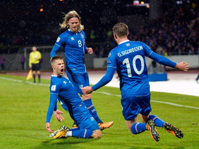 Iceland vo oa hanh phuc voi tam ve World Cup dau tien trong lich su hinh anh 2