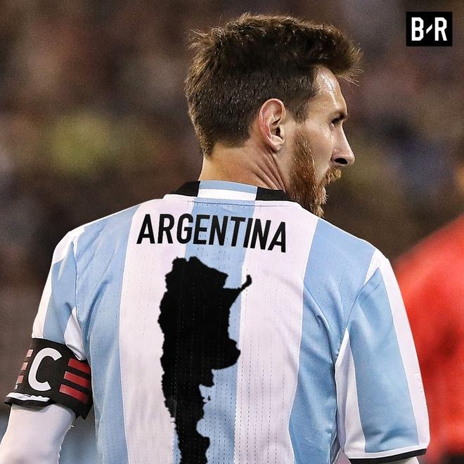 Anh che vi cuu tinh Messi cong lung ganh ta Argentina hinh anh 1