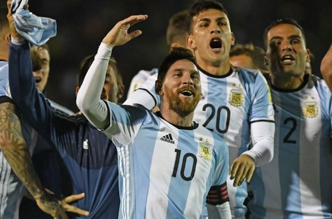 Messi giup Argentina gianh ve du World Cup anh 6