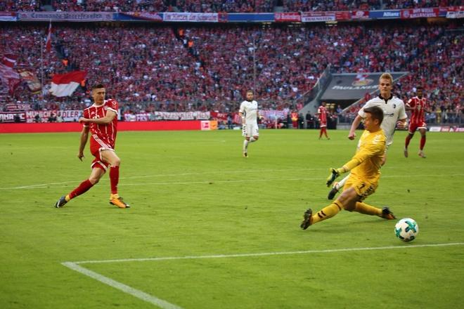Bayern thang tung bung 5-0 sau ngay sa thai Ancelotti hinh anh 5