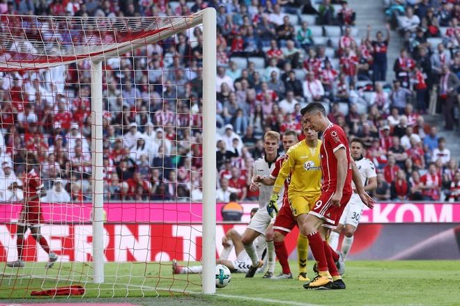 Bayern thang tung bung 5-0 sau ngay sa thai Ancelotti hinh anh 6