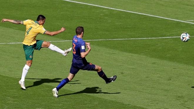 Dzeko tai hien sieu pham de doi cua Tim Cahill o World Cup 2014 hinh anh 5