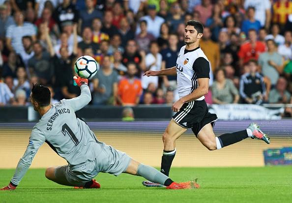 Valencia bo xa Real 4 diem bang man vui dap Sevilla 4-0 hinh anh 5