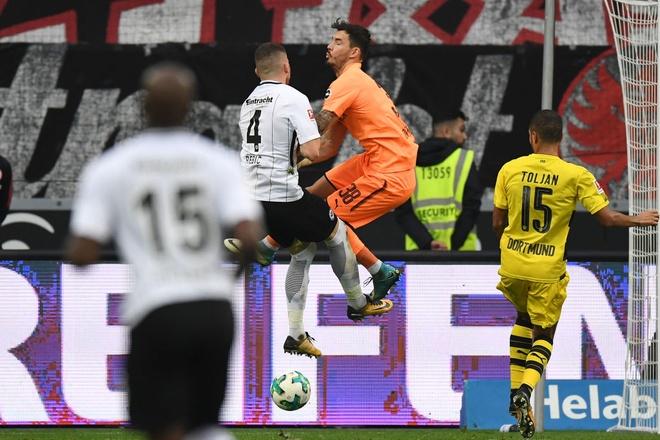 Dortmund chiu hat-trick ket qua toi te chi trong 1 tuan hinh anh 3