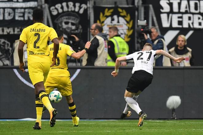 Dortmund chiu hat-trick ket qua toi te chi trong 1 tuan hinh anh 6