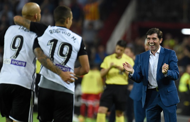 Valencia bo xa Real 4 diem bang man vui dap Sevilla 4-0 hinh anh 6