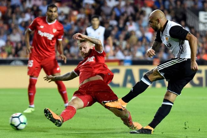 Valencia bo xa Real 4 diem bang man vui dap Sevilla 4-0 hinh anh 2
