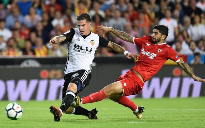 Valencia bo xa Real 4 diem bang man vui dap Sevilla 4-0 hinh anh 4