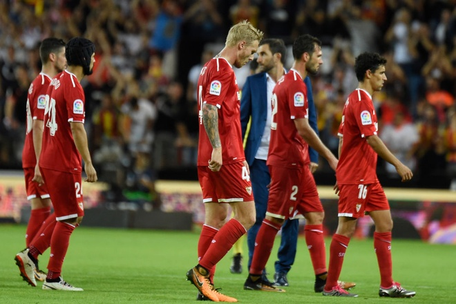 Valencia bo xa Real 4 diem bang man vui dap Sevilla 4-0 hinh anh 9