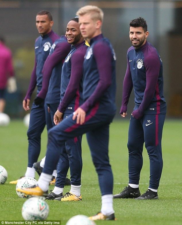 Man xanh tit ngoi, Guardiola do loi cho qua bong hinh anh 6