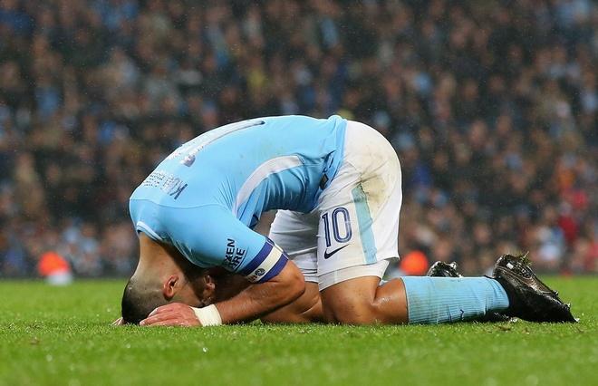 Man xanh tit ngoi, Guardiola do loi cho qua bong hinh anh 9