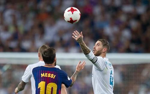 Cau thu Girona tung bong treu tuc Ramos, tra dua giup Messi hinh anh