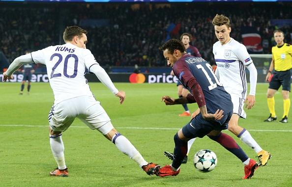 Neymar lap sieu pham, hau ve Kurzawa ghi 3 ban giup PSG thang 5-0 hinh anh 10