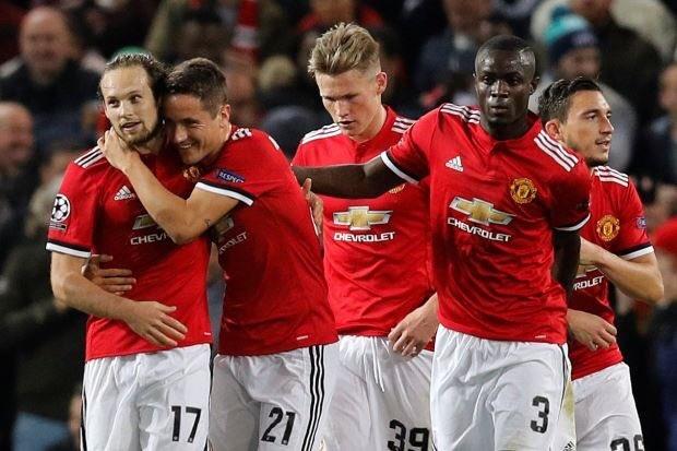 Mourinho ngan Lukaku da phat den, trao lai cho Blind hinh anh 5