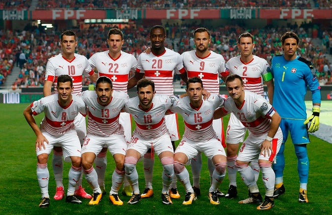 12 doi tuyen tranh 6 tam ve vot du World Cup 2018 hinh anh 2