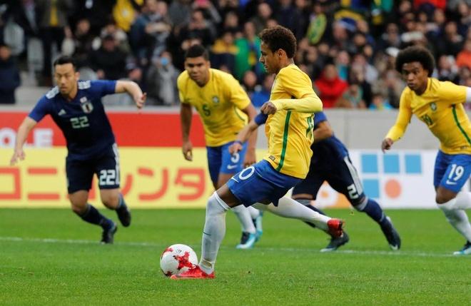 Neymar bat khoc am uc trong phong hop bao hinh anh 7
