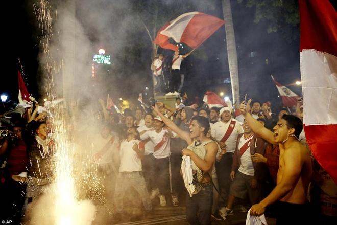 Peru vo oa hanh phuc sau 35 nam cho doi ve World Cup hinh anh 9