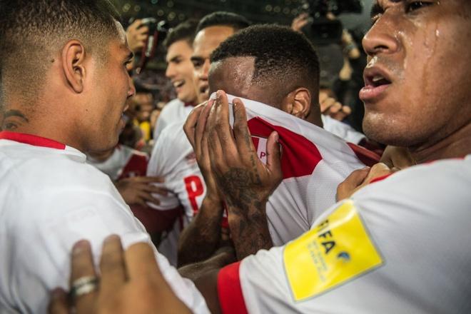 Peru vo oa hanh phuc sau 35 nam cho doi ve World Cup hinh anh 6