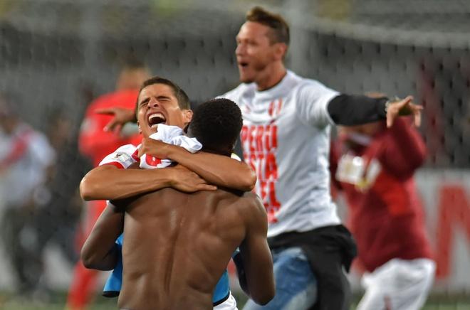 Peru vo oa hanh phuc sau 35 nam cho doi ve World Cup hinh anh 2