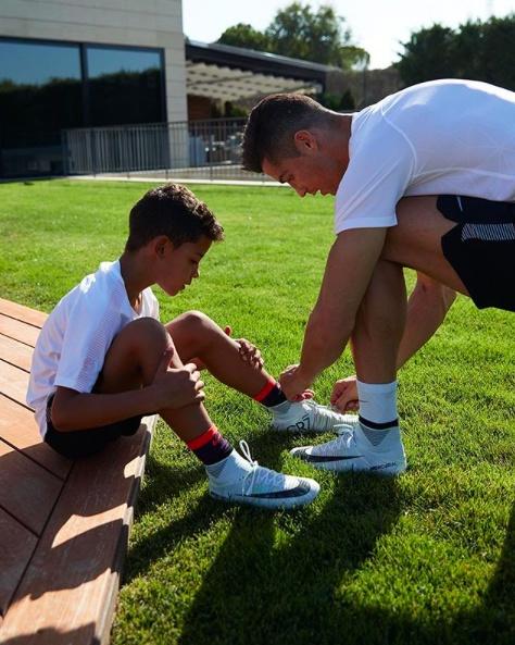 Con trai Ronaldo ghi 6 ban thu hut hon 6 trieu luot xem hinh anh 5