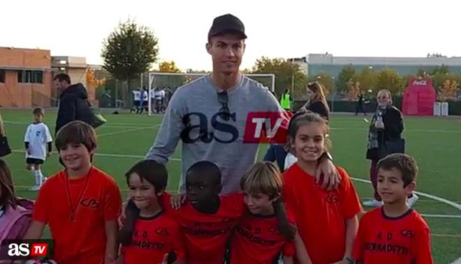 Con trai Ronaldo ghi 6 ban thu hut hon 6 trieu luot xem hinh anh 2