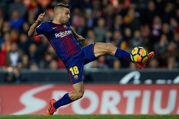 Xe tang Barca dut xich o Valencia, 'ngu ong' Real dac loi hinh anh 8