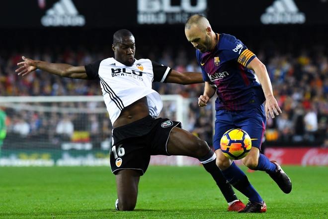 tran Valencia vs Barca anh 7