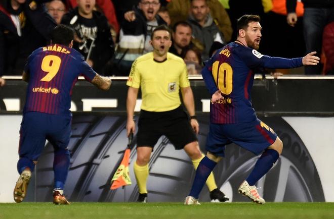 tran Valencia vs Barca anh 4