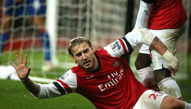'Chua te' Bendtner len ngoi vua pha luoi lan dau tien trong doi hinh anh 3