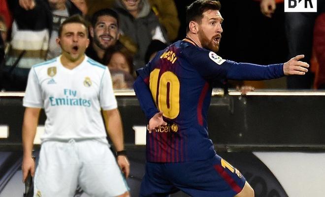 Biem hoa Messi tum co trong tai, bat xem lai video hinh anh