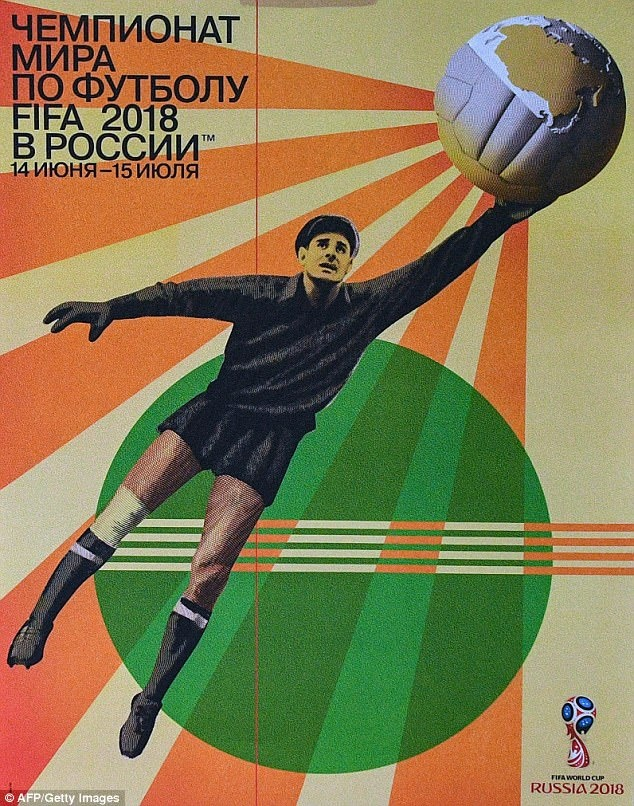 'Nhen den' vi dai Lev Yashin tren poster World Cup 2018 vua ra mat hinh anh 2