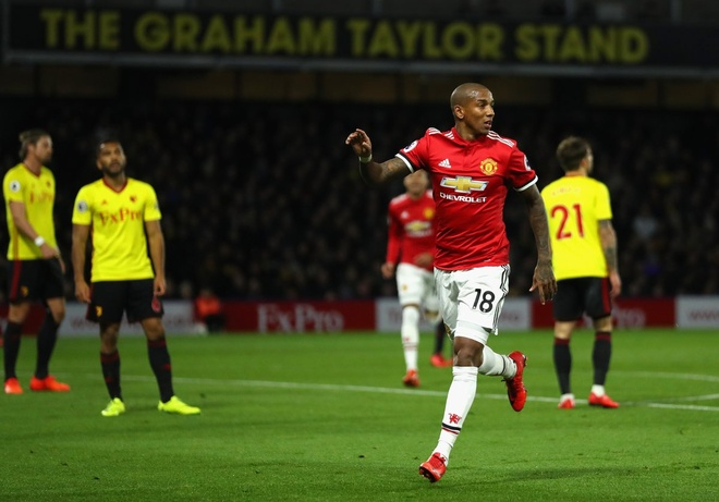 Mourinho: 'Lukaku sut toan truot vi chua co tai tro giay' hinh anh 3