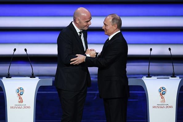 Tong thong Putin chung kien Maradona hon tran Pele o le boc tham hinh anh 4