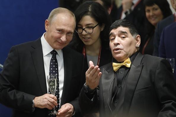 Tong thong Putin chung kien Maradona hon tran Pele o le boc tham hinh anh 3