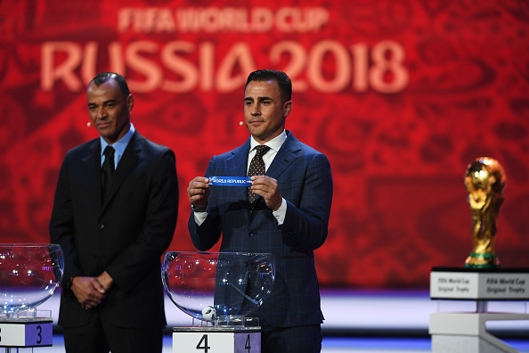 Tong thong Putin chung kien Maradona hon tran Pele o le boc tham hinh anh 12