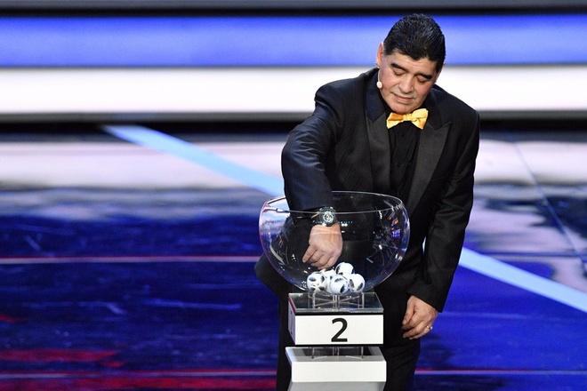 Tong thong Putin chung kien Maradona hon tran Pele o le boc tham hinh anh 14