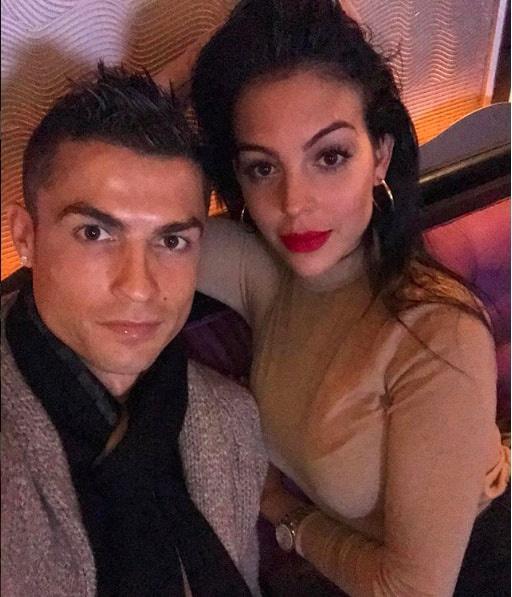 ban gai Ronaldo khoe voc dang thon tha sau sinh anh 7