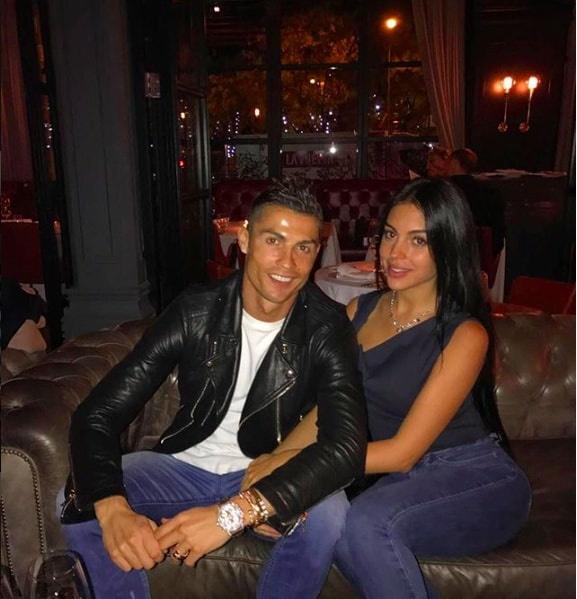 ban gai Ronaldo khoe voc dang thon tha sau sinh anh 8