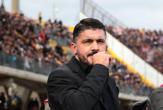 CLB te nhat lich su Serie A tao cu soc khong tuong truoc AC Milan hinh anh