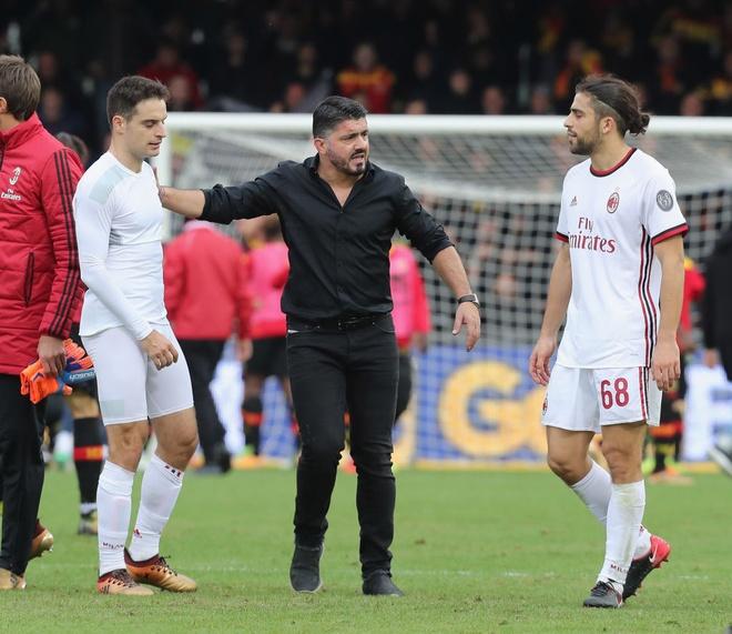 HLV Gattuso: 'Bi dao dam khong dau bang thung luoi kieu nay' hinh anh 2