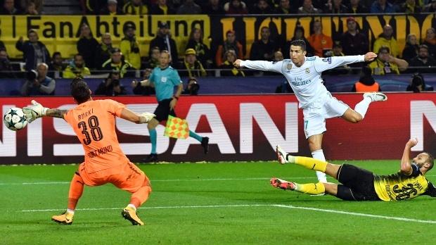 Neymar, Ronaldo va giai NH Anh cung san thanh tich vo tien khoang hau hinh anh 5