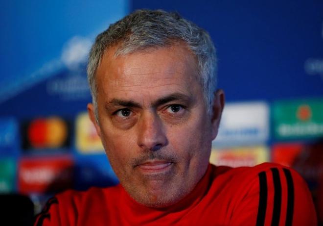 Mourinho: 'De Gea chi la thu mon hay thu ba the gioi' hinh anh 5