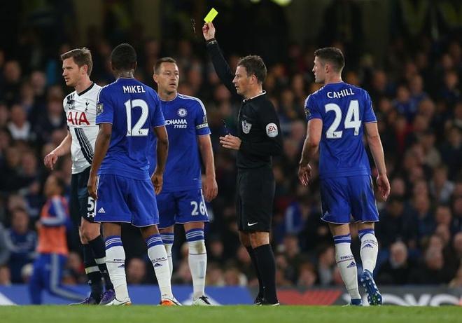 Trong tai tot nhat the gioi bo viec Ngoai hang Anh vi Mourinho hinh anh 3
