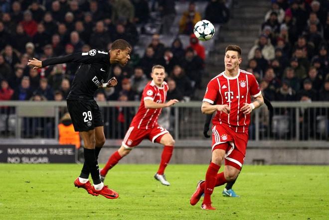 Hai ky luc Champions League vua duoc lap boi Mbappe va Barca hinh anh 1